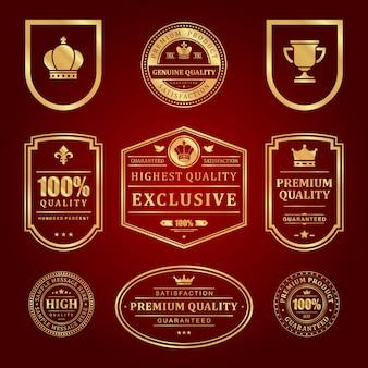 Zestaw etykiet premium ze złotymi ramkami. vintage sprzedaż starej jakości i elegancka dekoracja czerwona powierzchnia. znak korony i pucharu elitarnego certyfikatu jakości.