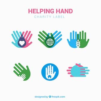 Zestaw etykiet z kolorowymi rękach charytatywnych