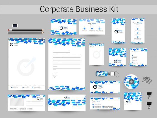 Zestaw firmowy z niebieskimi pasami.