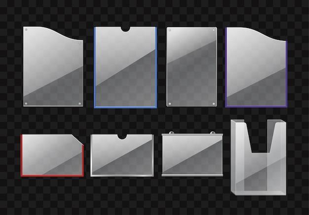 Zestaw folderów - nowoczesny wektor realistyczne na białym tle clipart na przezroczystym tle. uchwyty na papier o różnych kształtach i kolorach: czerwony, biały, fioletowy, niebieski. artykuły biurowe, towary, materiały