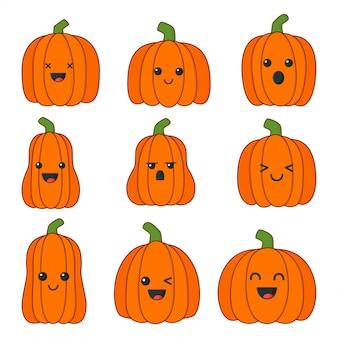 Zestaw happy halloween dynie z różnymi twarzami na białym tle.