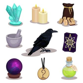 Zestaw ikon związanych z tematem wróżenia. mistyczne przedmioty. świece w magicznej kuli, drewniane runy, kruk, karty tarota