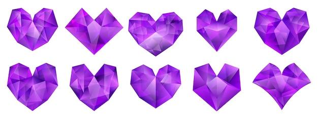 Zestaw ilustracji fioletowych serc o różnych kształtach geometrycznych wykonanych z kryształu
