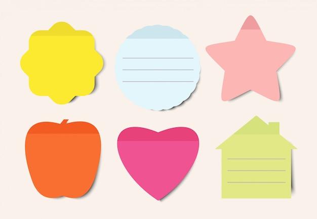 Zestaw ilustracji karteczek. notatnik pusty arkusz papieru do planowania i harmonogramowania. kształty okrągłe, serce, jabłko i dom kolor pustych przypomnień na białym tle pakiet paczek. notatki