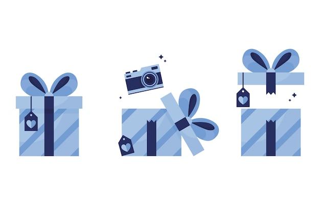 Zestaw ilustracji. prezenty w paczkach, zamknięty prezent z pocztówką i kokardą, otwierający pudełko z aparatem. urodziny, nowy rok, święta. nagroda wygrana. premia. niebieski. na białym tle.