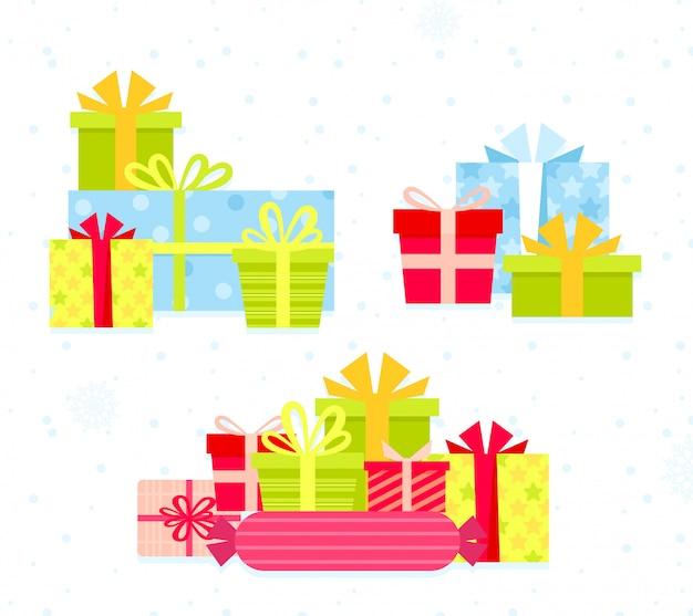 Zestaw ilustracji różnych kolorowych pudełek. płaski projekt kreskówka przedstawia pudełka z kokardkami w jasnych kolorach. kolekcja prezentów świątecznych, prezenty urodzinowe.