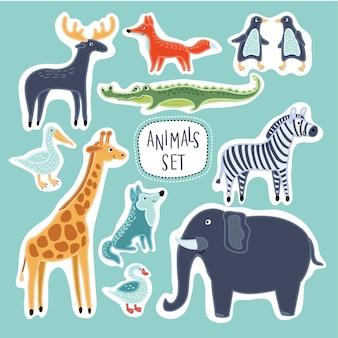 Zestaw ilustracji zabawnych uroczych zwierzątek kreskówek
