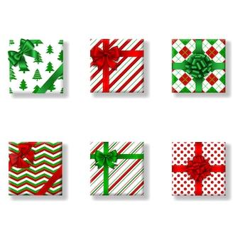 Zestaw izolowanych kwadratowych świątecznych pudełek prezentowych widok z góry