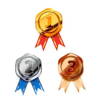 Zestaw jasnych złotych, srebrnych i brązowych nagród zwycięzcy z taśmami na pierwsze, drugie i trzecie miejsce, błyszczącymi odznakami na białym tle