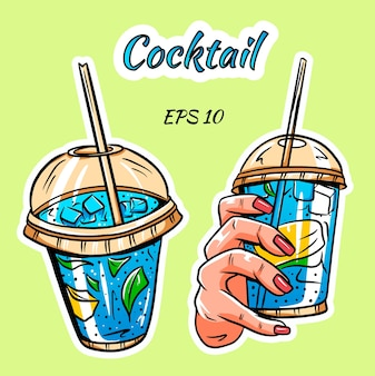 Zestaw koktajli. wizerunek koktajlu. koktajl w dłoni.