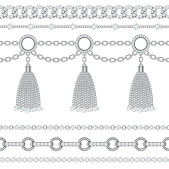 Zestaw kolekcji srebrnych metalicznych łańcuszków z kamieniami i frędzlami.
