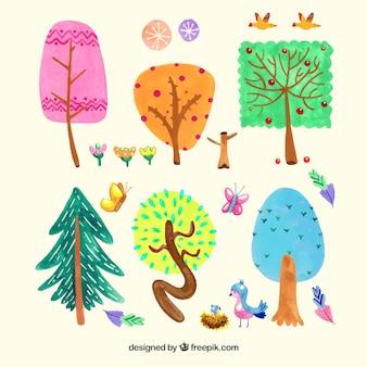 Zestaw kolorowych drzew w stylu przypominającym akwarele