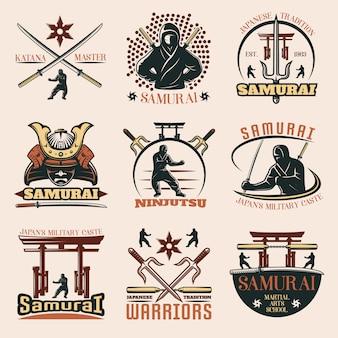 Zestaw kolorowych emblematów samurajów
