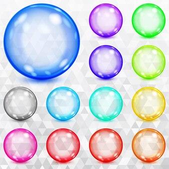 Zestaw kolorowych przezroczystych kulek z odblaskami i cieniami