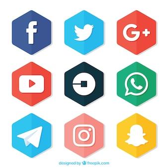 Zestaw kolorowych sześciokątów z logo sieci społecznych
