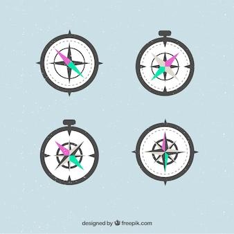 Zestaw kompasowy złożony z czterech