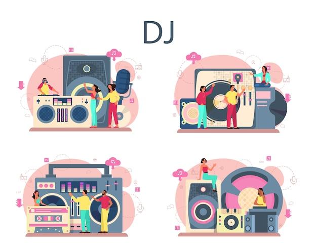 Zestaw koncepcji dj. osoba stojąca przy mikserze gramofonowym tworzy muzykę w klubie.