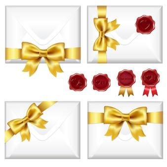 Zestaw kopert ze złotą kokardką i pieczęciami woskowymi, na białym tle na białym tle, ilustracji.