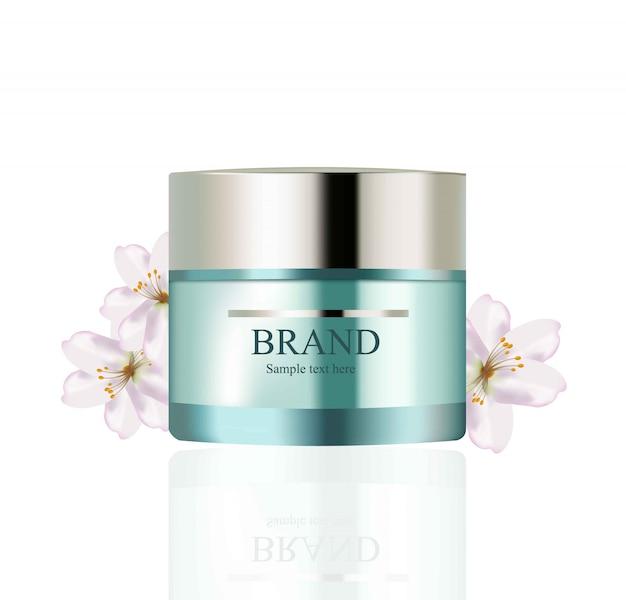 Zestaw kosmetyków kremowych wektor realistyczne makiety. zielony pakiet krem nawilżający do butelek i kwiatów