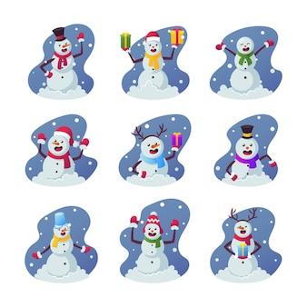 Zestaw kreskówka bałwanki, śmieszne postacie zimowe noszenie czapki ciepłe ubrania, rękawiczki i szalik, trzymając prezenty i pudełka na prezenty na boże narodzenie na białym tle