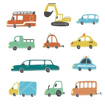 Zestaw kreskówka słodkie dzieci i samochody w stylu zabawki i inny transport. ilustracja.