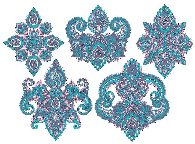 Zestaw kwiatowych elementów henny opartych na tradycyjnych azjatyckich ornamentach.
