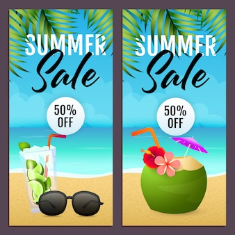 Zestaw letnich napisów sprzedaż, koktajl kokosowy, okulary przeciwsłoneczne, plaża