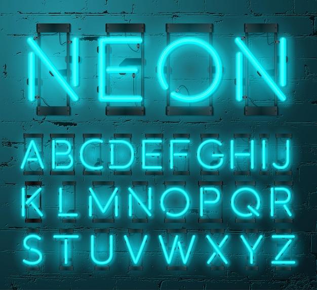 Zestaw liter neonowych na tle ściany z cegły
