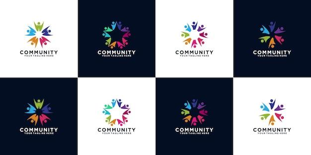 Zestaw logo zespołu roboczego z ludźmi wirującymi