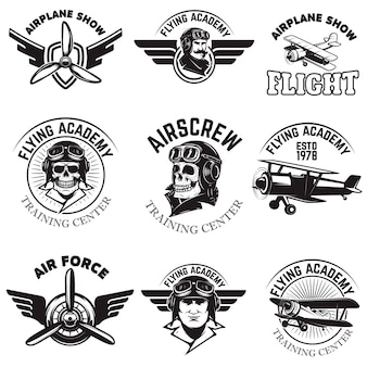 Zestaw lotnictwa, pokaz samolotów, emblematy akademii latania. vintage samoloty. elementy logo, znaczek, etykieta. ilustracja.