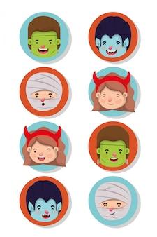 Zestaw małych dzieci z postaciami kostiumowymi