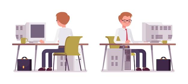 Zestaw męski urzędnik pracuje przy komputerze