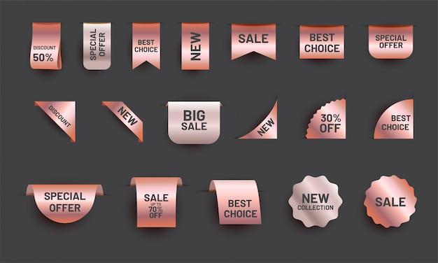 Zestaw metek z realistyczną wstążką w kolorze różowego złota. kolekcja etykiet z metalową ofertą sprzedaży