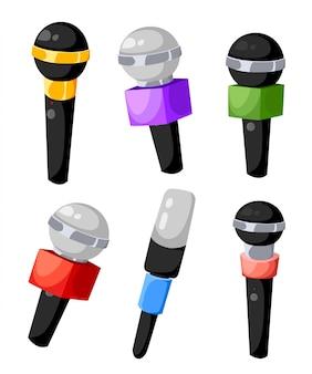 Zestaw mikrofonów w różnych kolorach dla telewizji lub radia mikrofonów powietrznych dla prasy różnych kanałów telewizyjnych ilustracja na białym tle strony internetowej i aplikacji mobilnej.