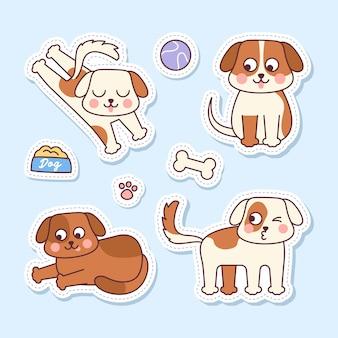 Zestaw naklejek czterech uroczych psów z ilustracjami akcesoriów dla psów na jasnoniebieskim tle