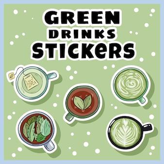 Zestaw naklejek z zielonymi napojami. filiżanki zielonej herbaty i kolekcja kawy. ręcznie rysowane kubki stylu cartoon