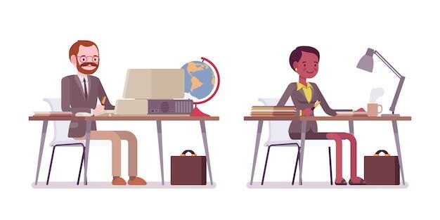 Zestaw nauczyciela płci męskiej i żeńskiej siedzi przy biurku