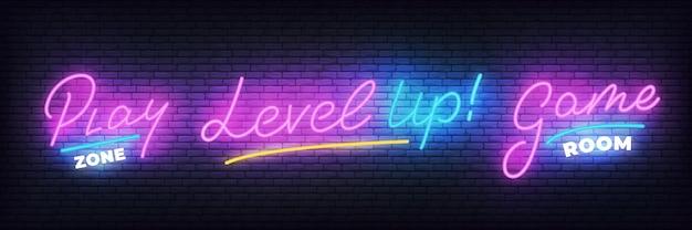 Zestaw neonowych gier. strefa zabaw, pokój gier, świecący neon poziomu