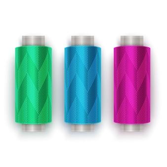 Zestaw nici w kolorach różowym, niebieskim i zielonym, zestaw szpulek do nici. kolorowa plastikowa szpulka. ilustracja
