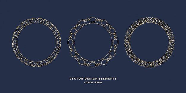 Zestaw nowoczesnych geometrycznych okrągłych ramek dla tekstu złotego brokatu na ciemnym tle. ilustracja