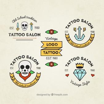 Zestaw nowoczesnych tatuaży w stylu liniowy