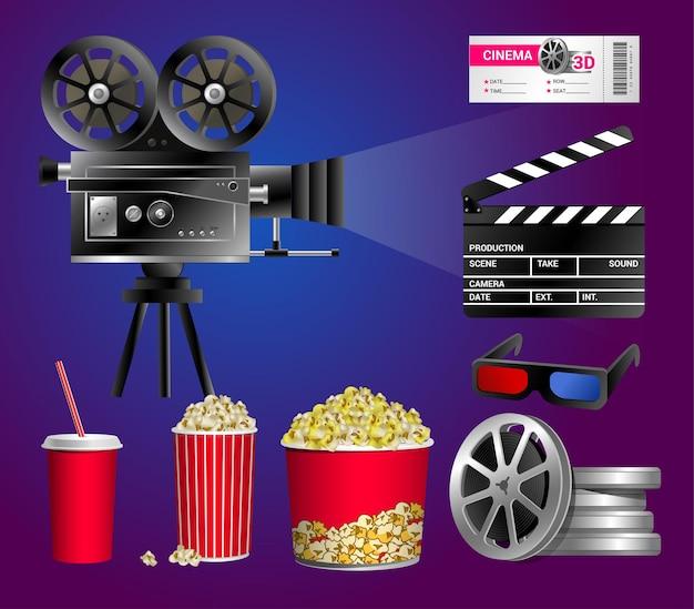 Zestaw obiektów kina - nowoczesne wektor realistyczne na białym tle clipart na niebieskim i fioletowym tle. pudełko na popcorn, kubek na napoje ze słomką, taśma filmowa, bilet, tablica klapy, dyski z taśmą filmową