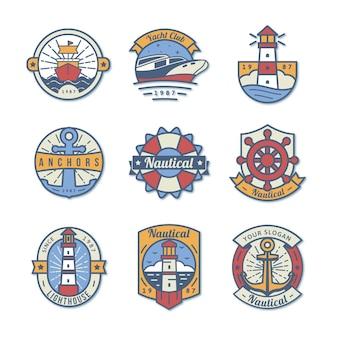 Zestaw odznak morskich na białym tle w stylu płaski