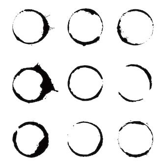 Zestaw pierścieni do plam z kawy. ilustracja wektorowa. pić pieczęć plamy z okrągłym kształtem i elementem powitalnym. efekt dolnego koła filiżanki kawy.