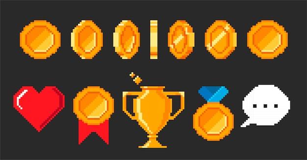 Zestaw pikseli gier wideo. animacja monet do 16-bitowej gry retro. czara pikseli, serce, nagroda, nagroda, medal, dymek. ilustracja w stylu retro gry na białym na czarnym tle.