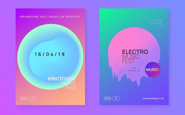 Zestaw plakatów muzycznych. szablon zaproszenia kreatywnej imprezy trance. płynny holograficzny kształt i linia gradientu. dźwięk elektroniczny. nocne wakacje w stylu życia. letni festiwal ulotki i plakat muzyczny.