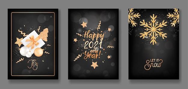 Zestaw plakatów wesołych świąt i szczęśliwego nowego roku 2021, zaproszenia lub okładki ze złotymi bombkami, prezentami, brokatem, konfetti, gwiazdami i płatkami śniegu. eleganckie kartki z życzeniami, ilustracja wektorowa
