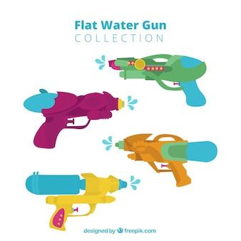 Zestaw plastikowych pistoletów na wodę w stylu płaski