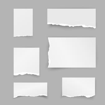 Zestaw podartych kawałków papieru. makulatury. pasek obiektu z cieniem na szarym tle. ilustracja