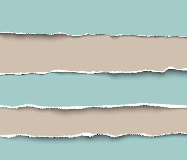 Zestaw podartych kawałków papieru rzemieślniczego z szorstkimi krawędziami, realistyczna ilustracja. kolekcja kawałków podartego papieru
